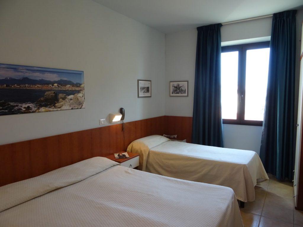 camera tripla hotel sole e mare lido di camaiore
